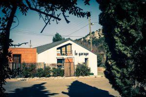 Le Garage des Calanques, 1 chambre d'hôtes, 1 chambre privative et un appartement idéalement situés dans les calanques de Marseille